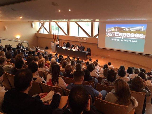 Más de millar de enfermeras de Baleares pueden prescribir medicamentos y product