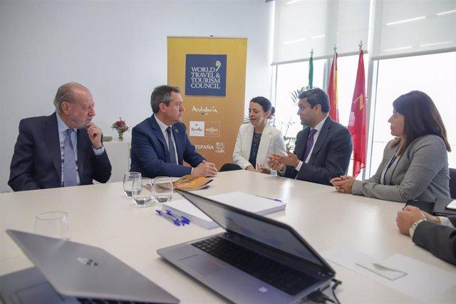 Sevilla.- Turismo.- La Diputación y el Ayuntamiento se reúnen con representantes