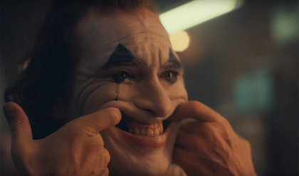 Primer y siniestro tráiler del Joker de Joaquin Phoenix... con el joven Bruce Wayne