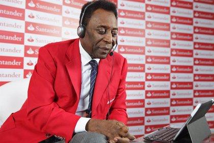 """Pelé, ingresado en París como """"medida de precaución"""" al sufrir fiebre alta"""