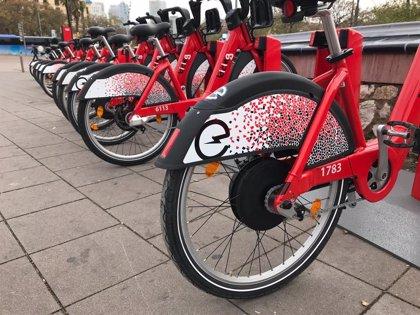 El nou Bicing desplega 300 bicis elèctriques, i preveu duplicar la xifra fins a finals d'abril