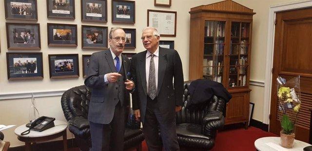 """Borrell analiza con John Bolton cómo afrontar la """"crisis que empeora"""" en Venezue"""