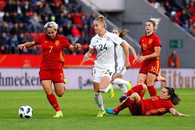 Fútbol/Selección.- La selección femenina se pone al día con el videoarbitraje
