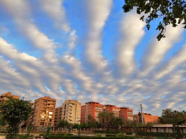 Cielos poco nubosos y máximas en descenso este jueves en la Comunitat Valenciana