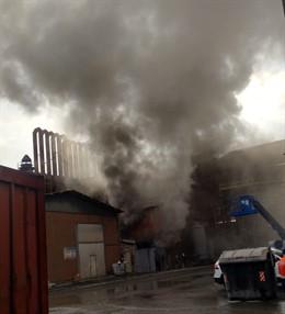 Desalojada la planta de Tubos reunidos en Amurrio (Álava) por un incendio que no