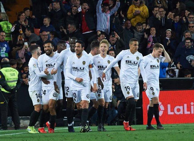 Soccer: La Liga - Valencia V Real Madrid
