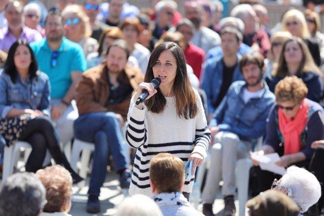 El secretario general de Podemos, Pablo Iglesias, participa en un encuentro con