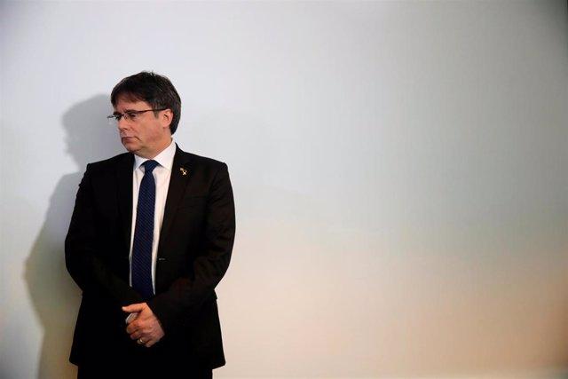 Puigdemont avisó de que si'l 1-O había violencia, declararía la independencia, s