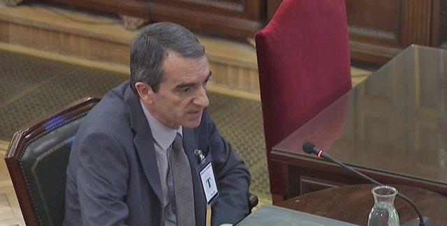 """AMP.- Procés.- Puigdemont va parlar de declarar la independència si hi havia """"ca"""