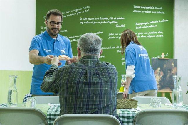 CaixaBank promou que 13.000 empleats i 1.200 clients facin de voluntaris en