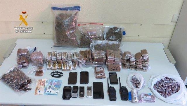Sucesos- Tres detenidos de una red que recogía droga en el Estrecho para luego v