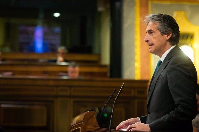 El ministro de Fomento, Íñigo de la Serna, en el Congreso