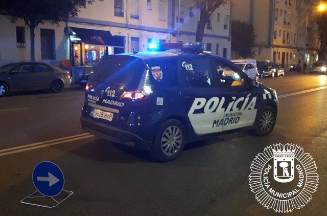 Sucesos.- Detenido un hombre en Ciudad Lineal tras agredir a su pareja en la cal