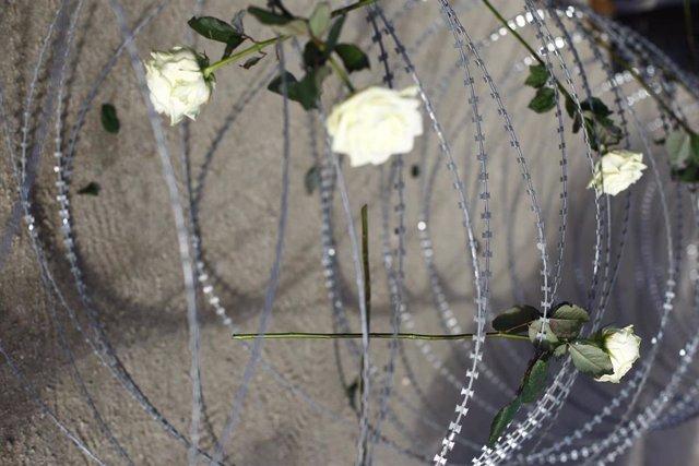Acto en recuerdo de las víctimas del Tarajal en el Templo de Debod en Madrid