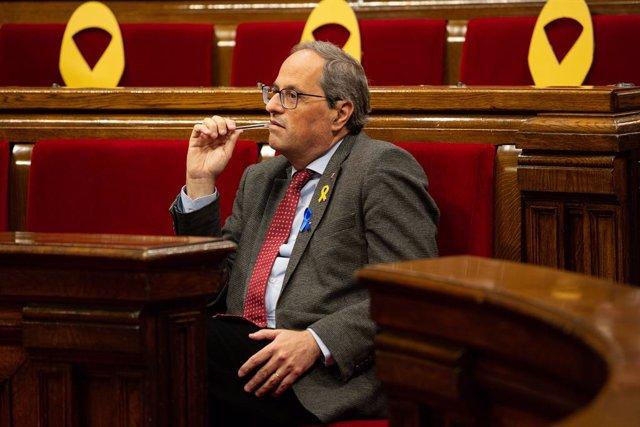 El Parlament demana a Torra convocar eleccions o sometese a una qüestió de confi
