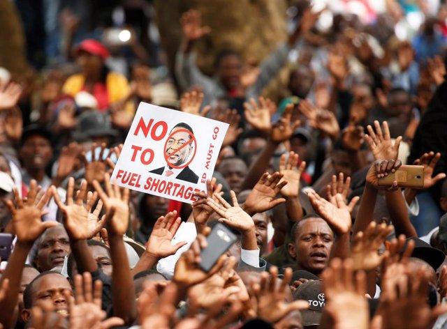 Manifestación en Harare contra la crisis económica en Zimbabue
