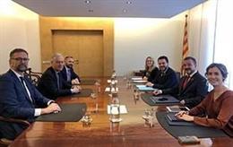 El Govern es reuneix amb l'ambaixador i el cònsol del Regne Unit per abordar el