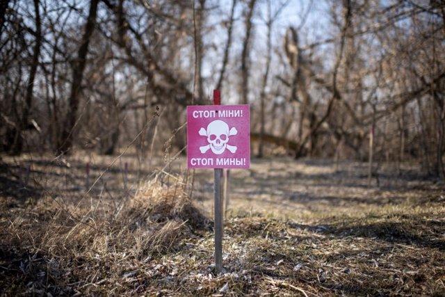 """Ucrania.- ACNUR llama la atención sobre la """"terrible amenaza"""" de las minas en el"""