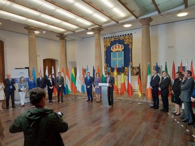 El presidente de Asturias reclama políticas activas para mitigar la desventaja c