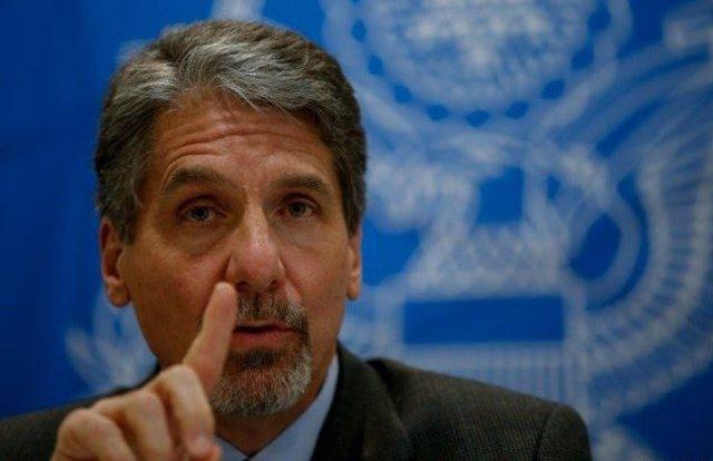 Varios congresistas acusan al embajador de Estados Unidos en Colombia de intenta