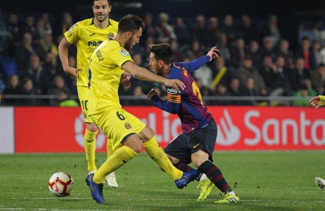Soccer: La Liga - Villarreal v FC Barcelona