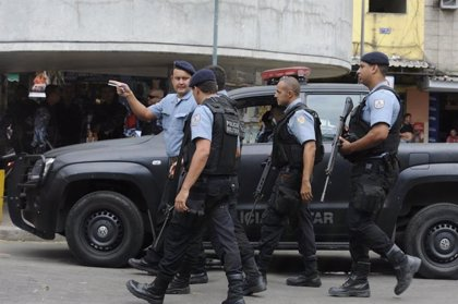 La Policía abate a once sospechosos de atracar varios bancos en el sur de Brasil