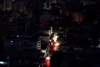 Venezuela excluye Caracas del plan de cortes programados de energía