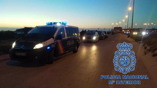 Cádiz.- Sucesos.- Interceptados 19 marroquíes, tres menores, de una patera llega