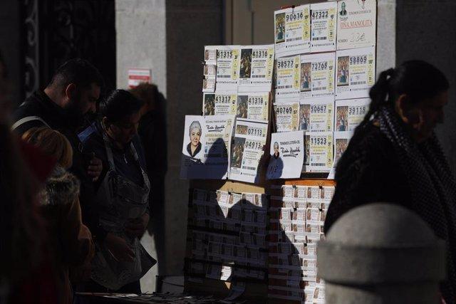 Cádiz.- El segundo premio de 120.000 euros de la Lotería Nacional toca en dos ad