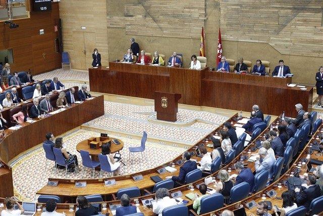 """Podemos pone un """"suspenso"""" al Gobierno regional en esta Legislatura, Aguado le d"""