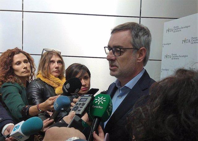 """Villegas (Cs) tacha de """"vergüenza"""" el enfrentamiento en el Parlamento vasco de B"""