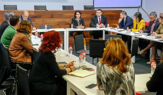 Una delegación del Gobierno de Rumanía visita Cantabria para conocer sus práctic