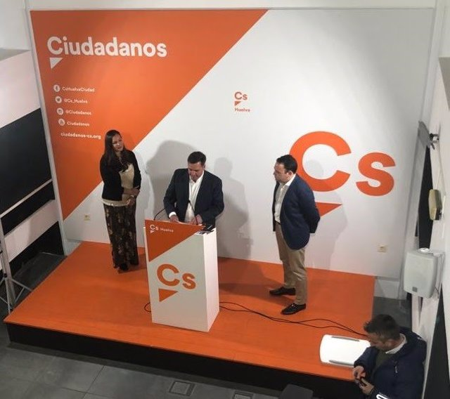 Huelva.- Néstor Santos (Cs) destaca el papel de empresarios, comerciantes y autó