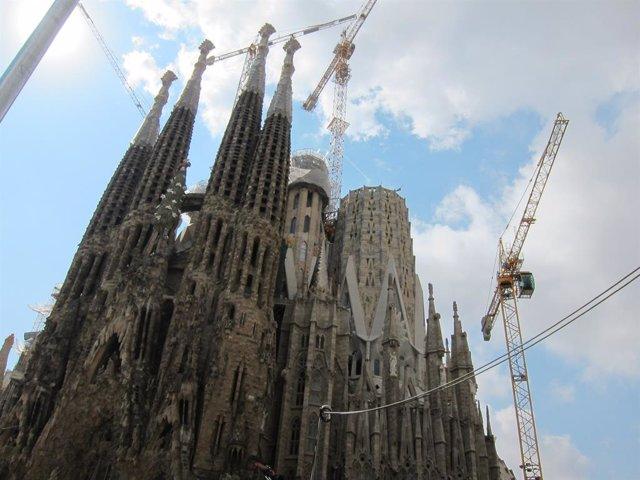 Façana de la basílica de la Sagrada Família