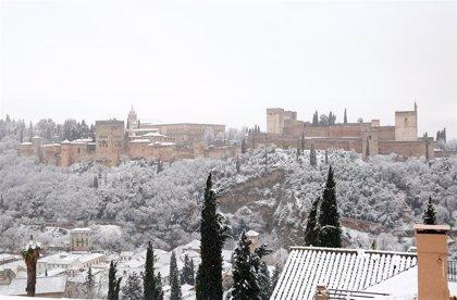Avisos amarillos por nevadas, viento u oleaje este sábado en Jaén, Granada y Almería
