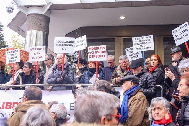 Manifestación en apoyo a Ángel Hernández organizada por la Asociación Derecho a