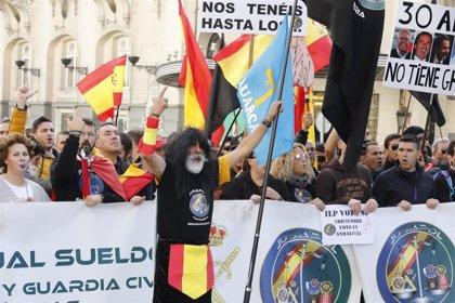 """Jusapol se manifiesta mañana en Madrid porque """"falta mucho"""" para la equiparación salarial de policías y guardias civiles"""
