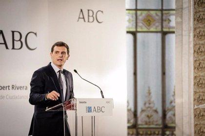 """Rivera exige a Podemos que respete la propiedad privada y no proponga """"expropiar pisos"""""""