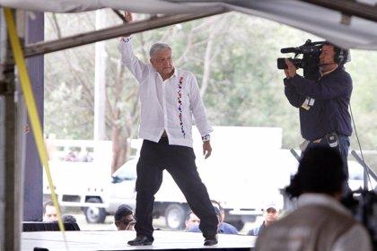 Los aliados de López Obrador frenan su reforma educativa y la agenda legislativa de Morena
