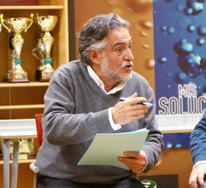 Pepu Hernández traslada que vecinos de Vallecas que uno de sus principales objetivos es el reequilibrio de la ciudad