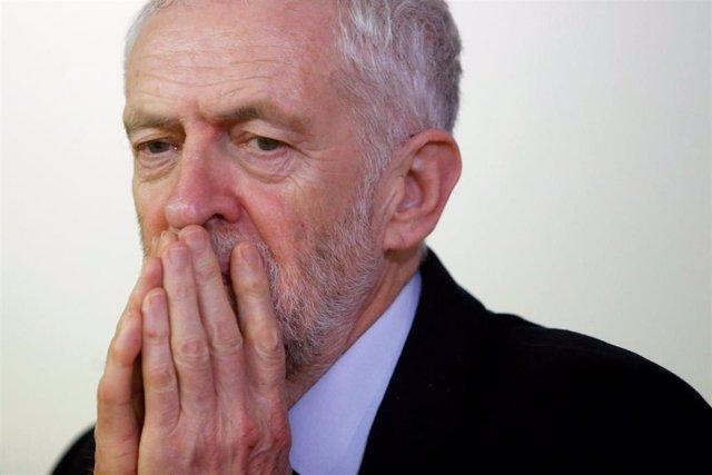 """Brexit.- Corbyn discutirá un plan del Brexit """"alternativo"""" con los líderes de la"""