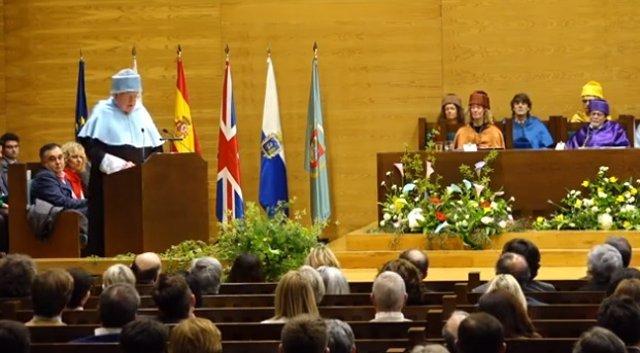 La Universidad de Cantabria reconoce la trayectoria de Paul Preston y su comprom