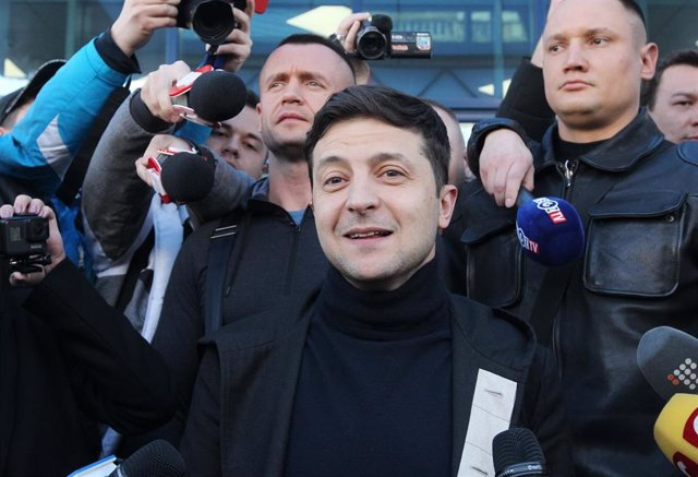 Zelensky undergoes drug and alcohol test in Kiev
