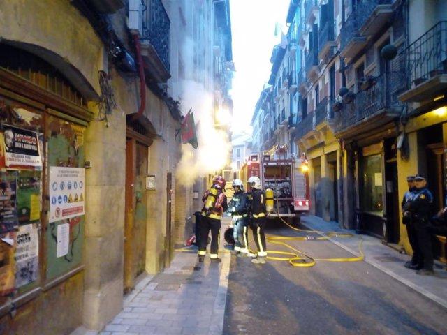 Sucesos.- Un incendio provoca daños materiales importantes en la peña Alegría de