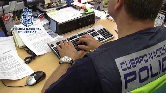 VÍDEO: Detenidas 20 personas en una operación contra una red de intercambio de p