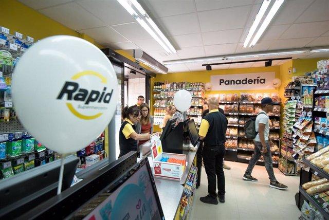 Eroski inaugura su primer supermercado franquiciado