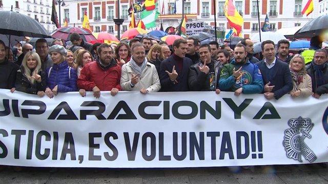 """Policías y guardias civiles reivindican en Madrid una equiparación salarial """"rea"""