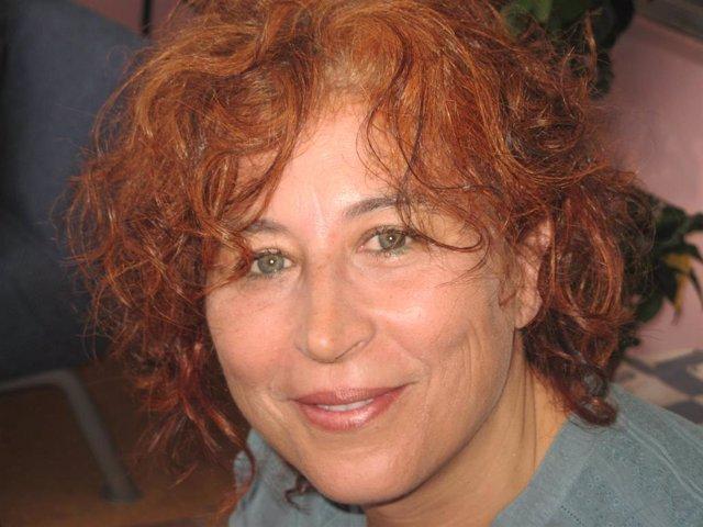 La escritora y periodista Ana Romaní ingresará este sábado en la Real Academia G