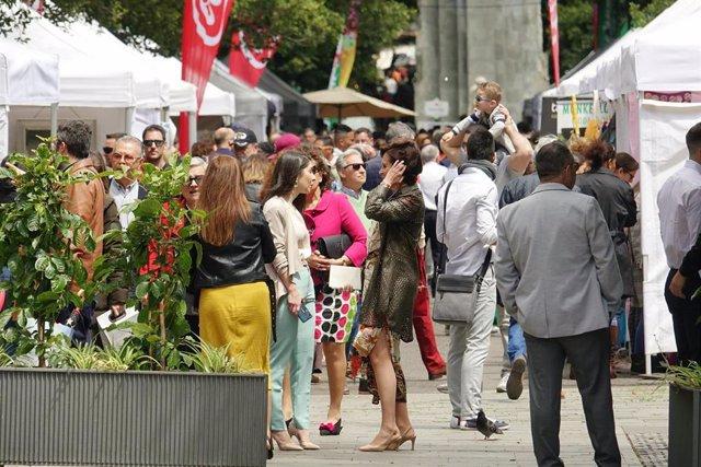 Plenilunio se diversifica y llena Santa Cruz de miles de personas