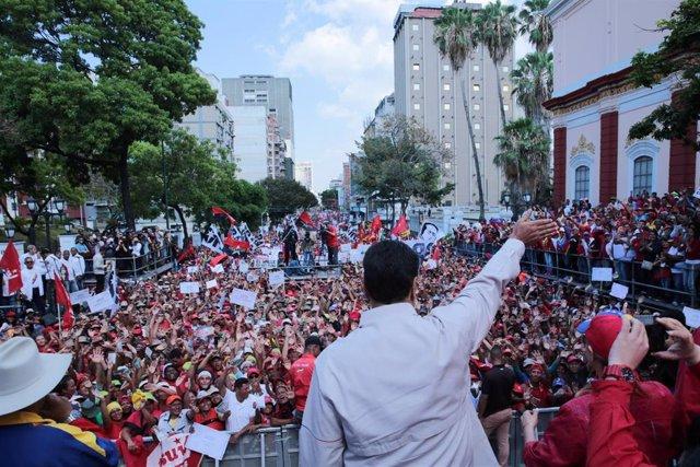 Venezuela.- Miles de venezolanos han salido a la calle en una nueva jornada de p